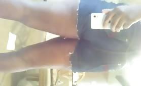Ebony babe shitting in tight jeans