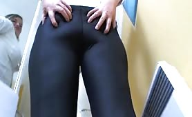 Amazing view of a blonde babe shitting